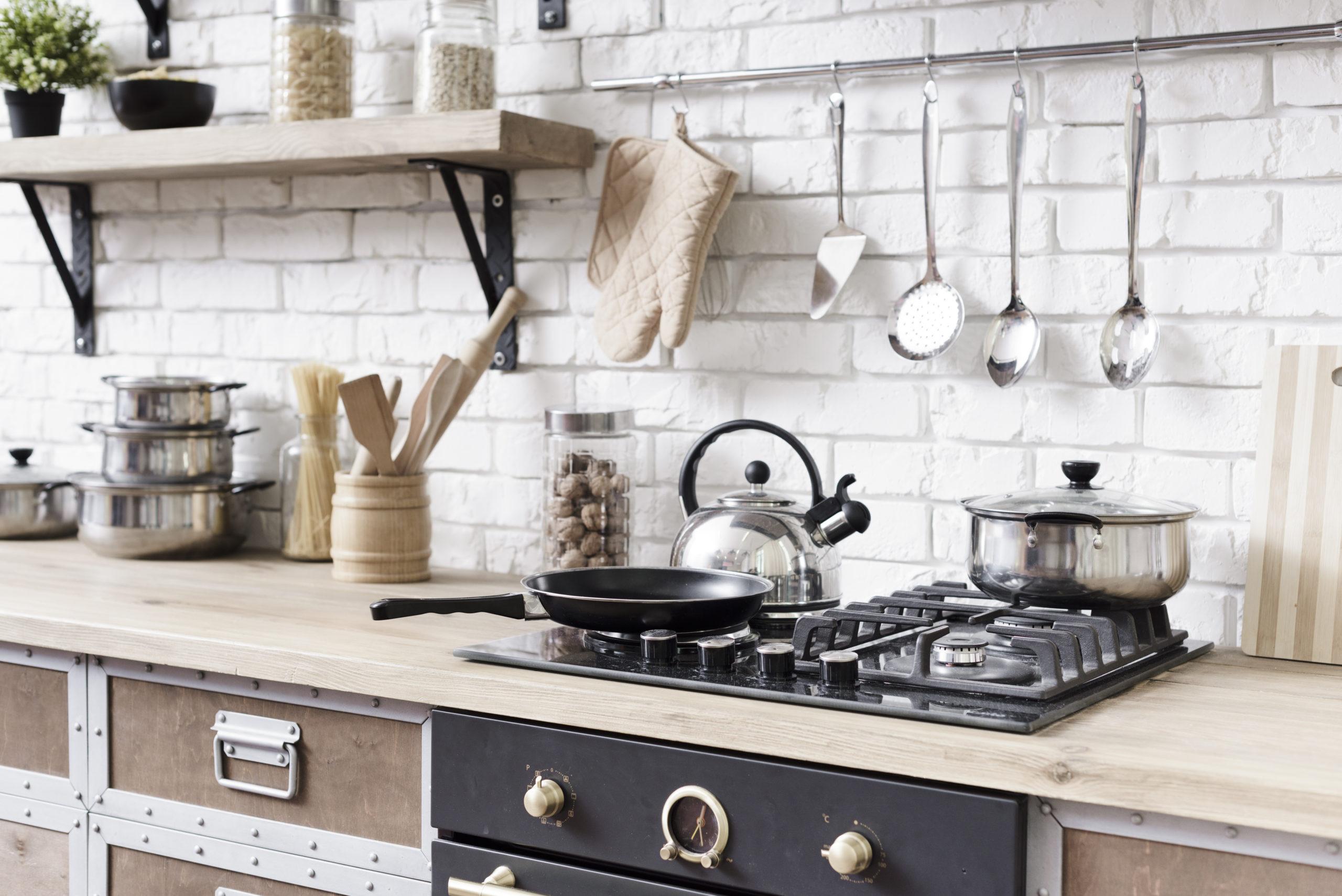4. Prateleira alta para armazenar utensílios de cozinha