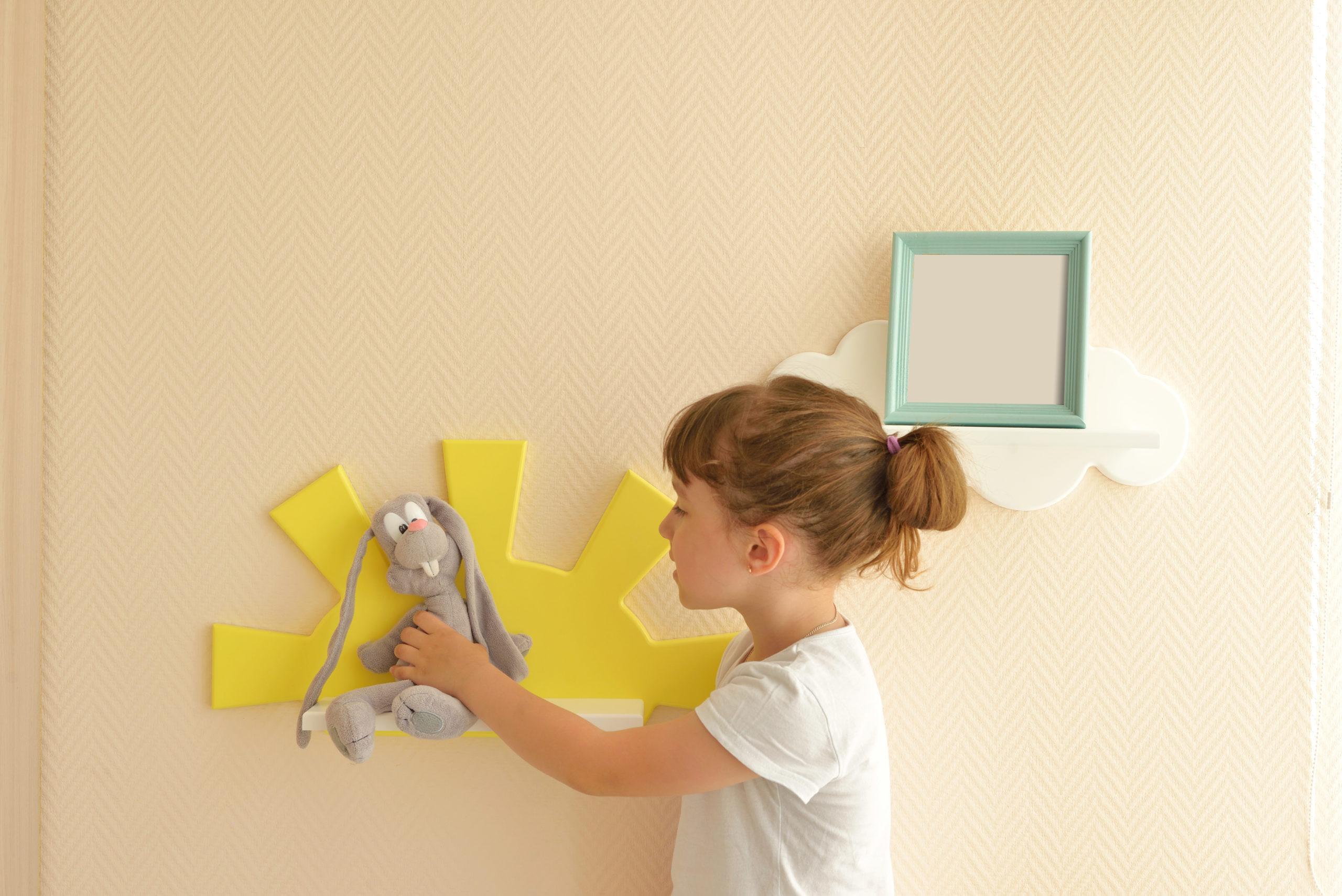 Prateleira criativa para o quarto das crianças