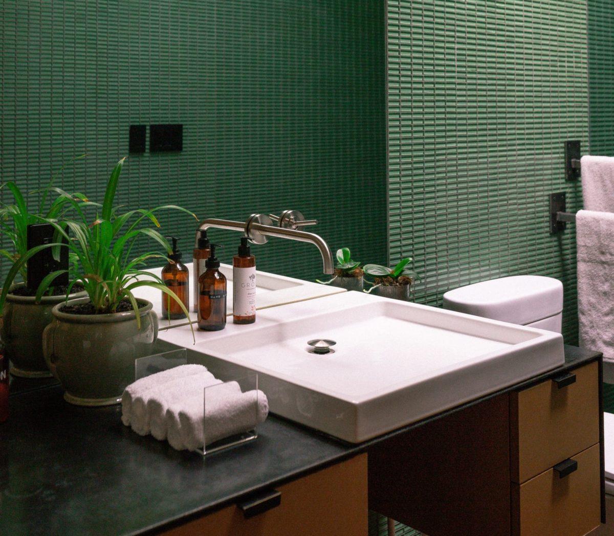 renovar banheiro: pastilhas coloridas para banheiro